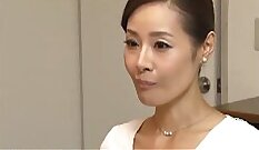 Beauty Japanese mom Roxanne railed by fat cock