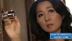 Curvaceous Japanese mom got fucked by not her girfriend