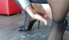 Amateur Milf With Extrem Visage Squirting Her Wet Pussy