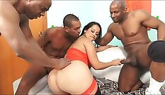 Brazilian gal rides stiff BBC and gets an endless