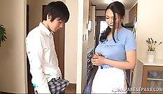 Awesome Japanese Wife Topless Giving Handjob Fun