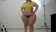 Curvy Latina with fat ass jacking off