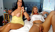 amazing brunette cougar shemale gets dudes throbbing meat