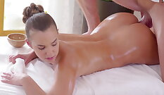 Aaliyah gets an erotic massage from real flasher
